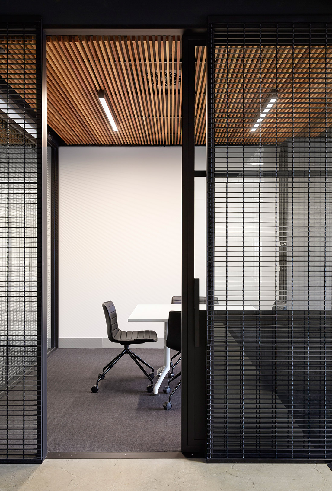 Deka immobilien brings laneway culture indoors for Office interior partition design