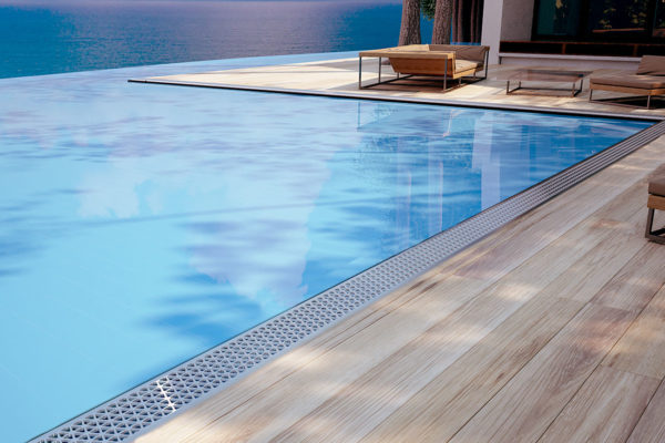100MND-pool-scene