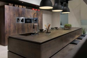 Neolith-Slab-Kitchen-Grey-Spain-slide-1045x568